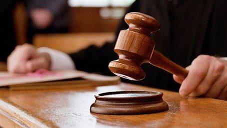 Hakim herhangi bir konuda karar verirken kendi vicdanını da işin içine katar mı?
