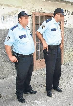 İstanbul Emniyet Müdürlüğü, kilolu polislerin göbeklerini eritmeleri için haftanın 1 günü 3 saatliğine spor yapmaları fırsatı tanındı. Sizce nasıl bir uygulama olmuş?