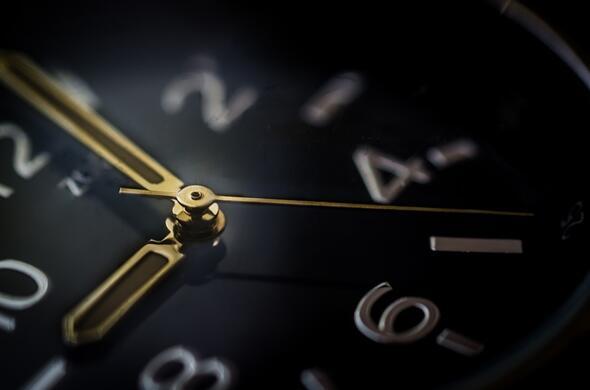 Gün içinde akrep ve yelkovan kaç kez üst üste gelir ?