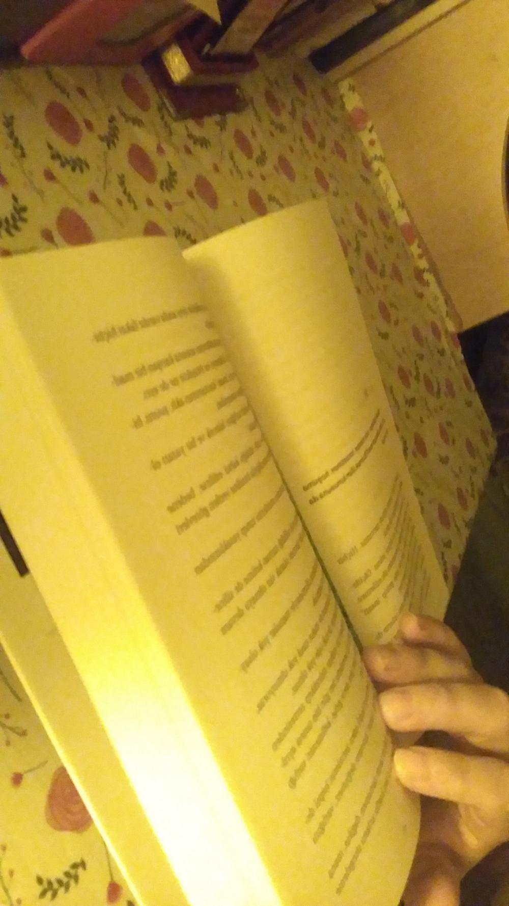 Sizce kitap okumak neden bir insana bu kadar iyi gelir ?